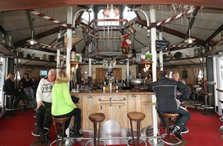 Rundell Cafe Aprés Ski Bar